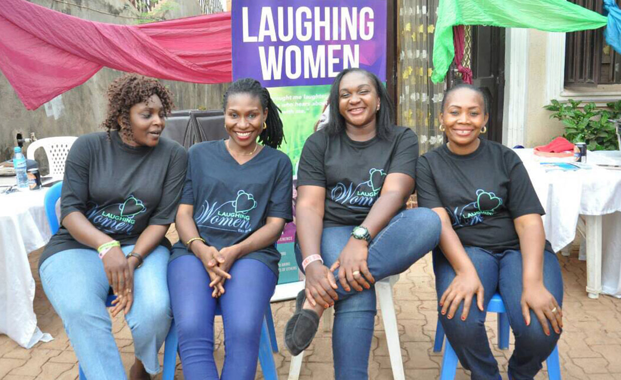 LAUGHING-WOMEN-volunteers